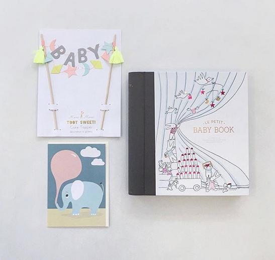 Le Petite Baby Book-Vauvakirja