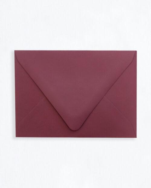 Kirjekuori viininpunainen