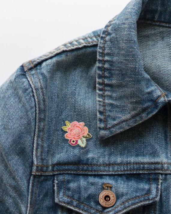 Rifle Paper co Juliet Rose Enamel Pin Ruusu Kukka Emali Pinssi