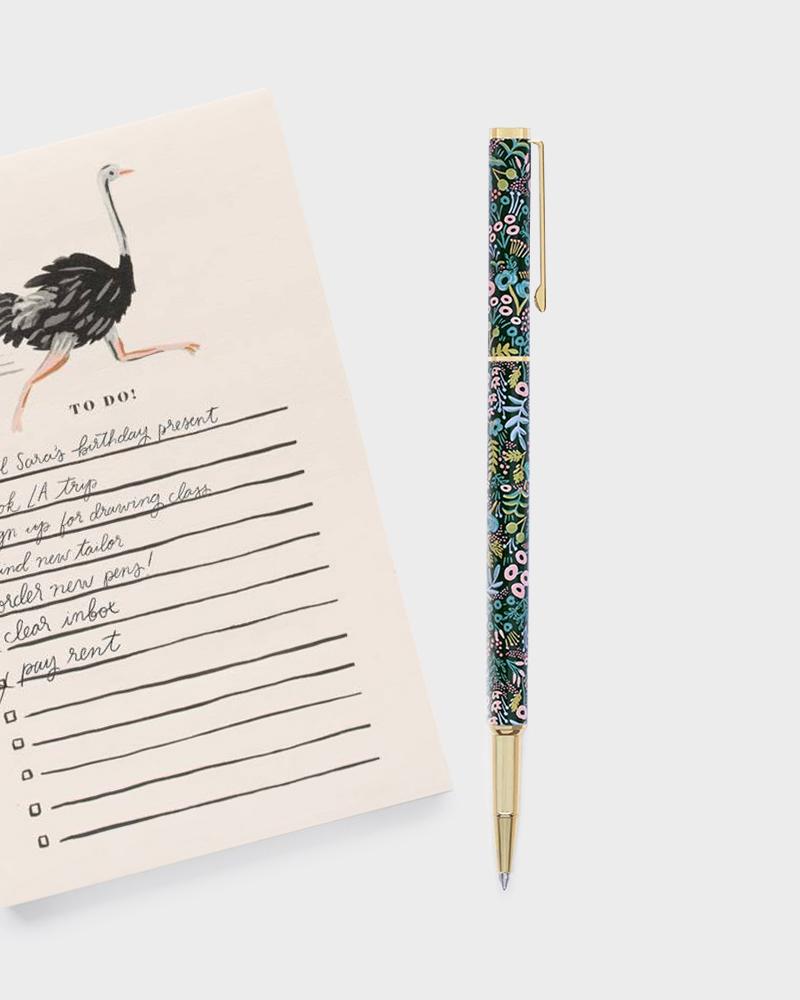 writing pen kirjoituskynä