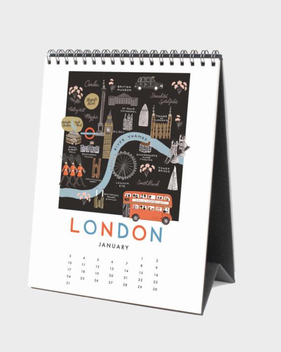 matkailuaiheinen kalenteri