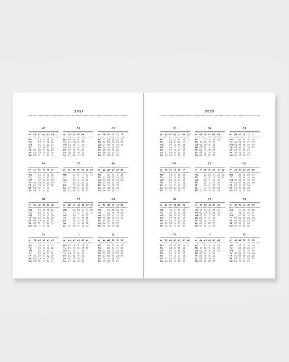 taskukokoinen kalenteri