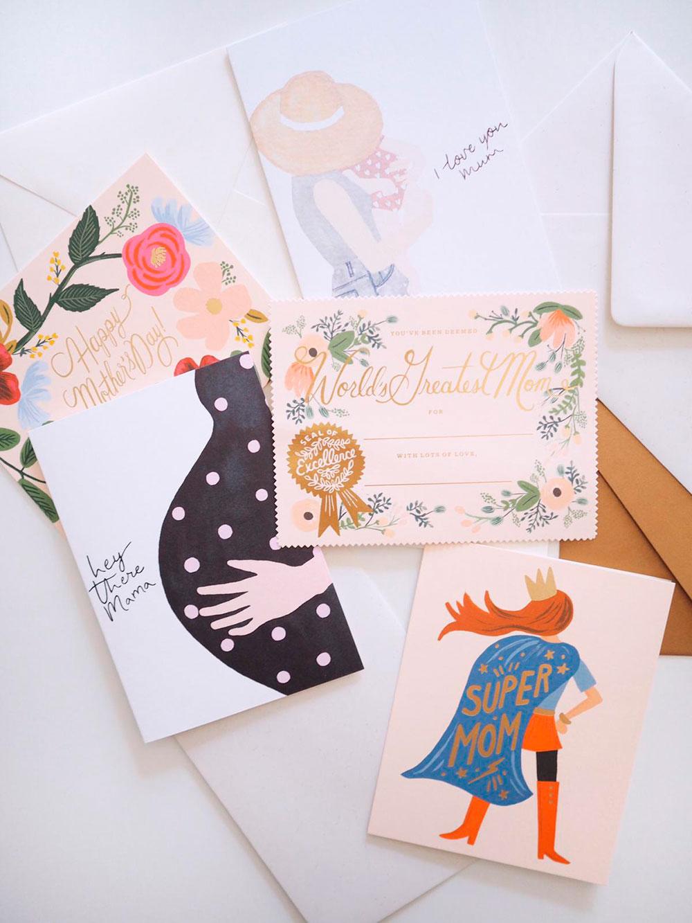 Äitienpäiväkortteja