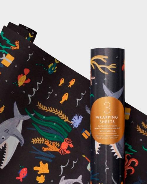 Hai, mustekala, delfiini ja muita mereneläviä lahjapaperissa
