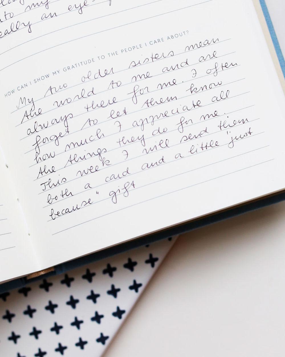 Gratitude päiväkirjan lähikuva