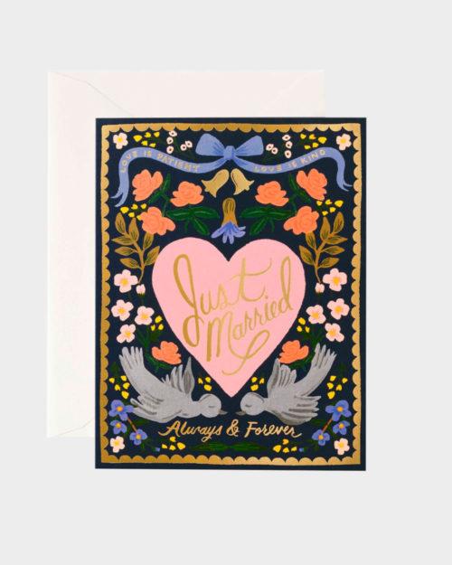just married hääkortti jossa sydän, lintuja ja kukkia
