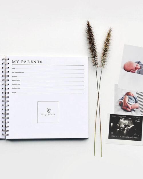 Vauvakirja sivu